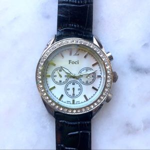 Mother of pearl fashion watch